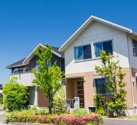 戸建住宅と青空